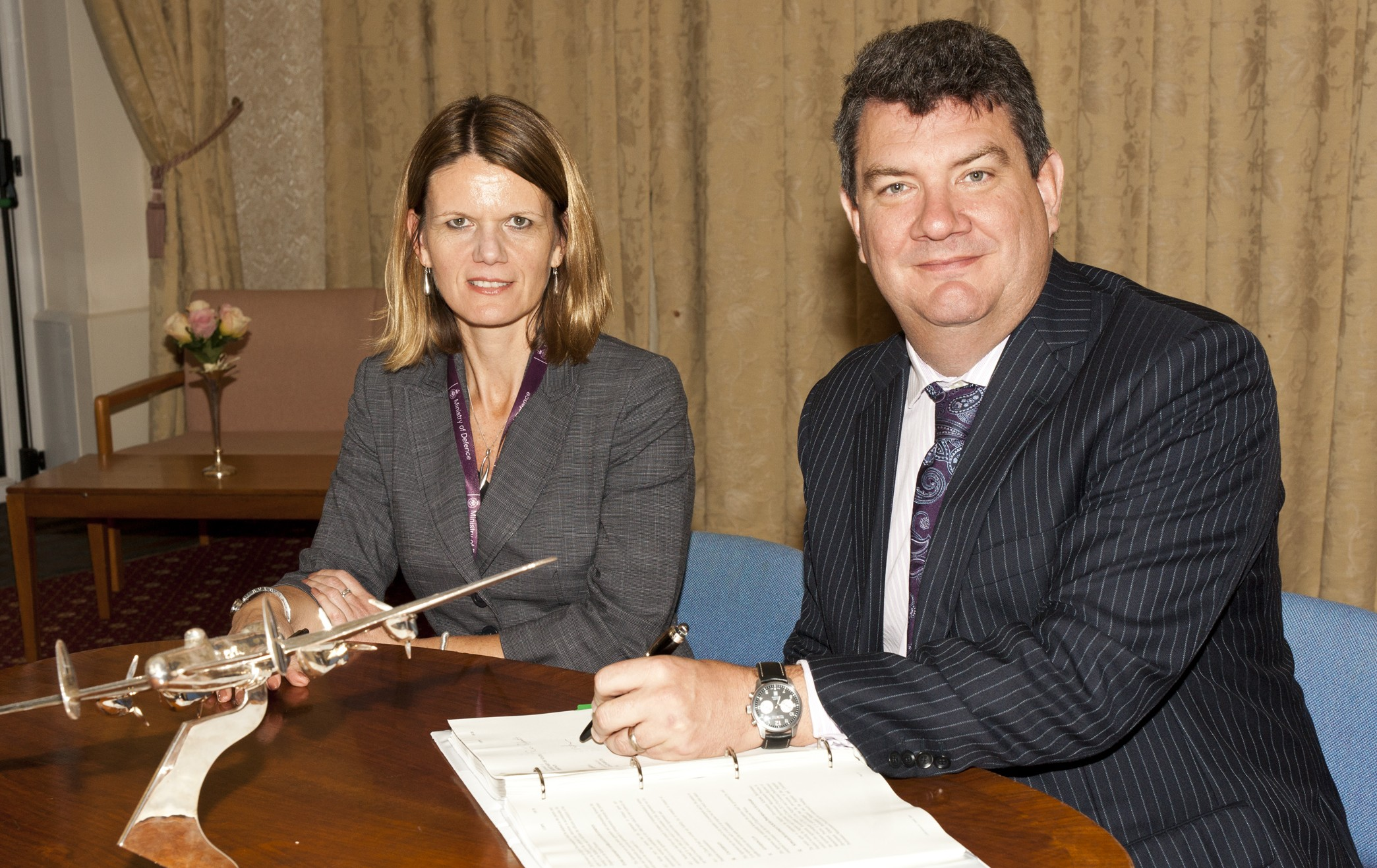 Rachel Padgett from Defence Commercial Commands & Centre Air with Martin Rolfe, NATS Managing Director, Operations