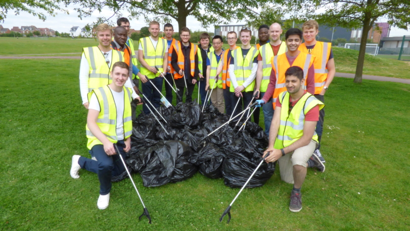 Engineers litter pick to help keep Whiteley clean