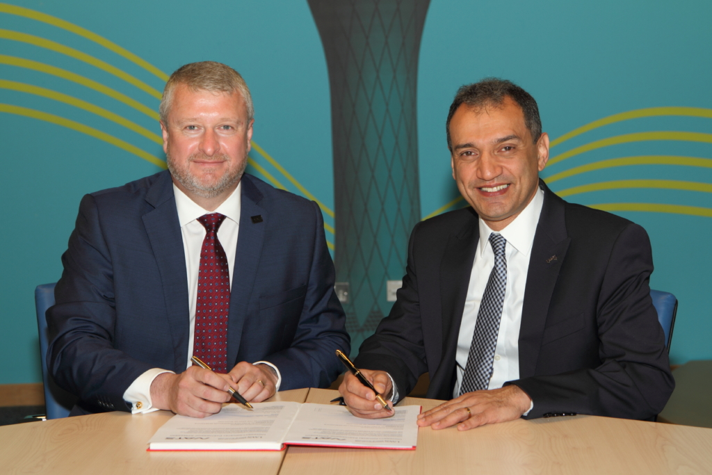 Alastair Muir, Director of NATS' Prestwick air traffic control centre and Professor Ehsan Mesbahi, Vice Principal & Pro Vice-Chancellor (Research & Enterprise) at the University of the West of Scotland