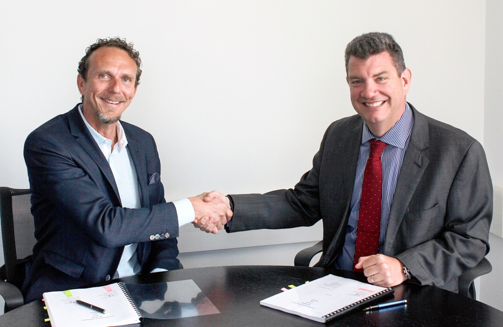Martin Rolfe, NATS Chief Executive Officer and Anders Kirsebom, Avinor Managing Director of Air Navigation Services, officially signing the agreement in London last week.