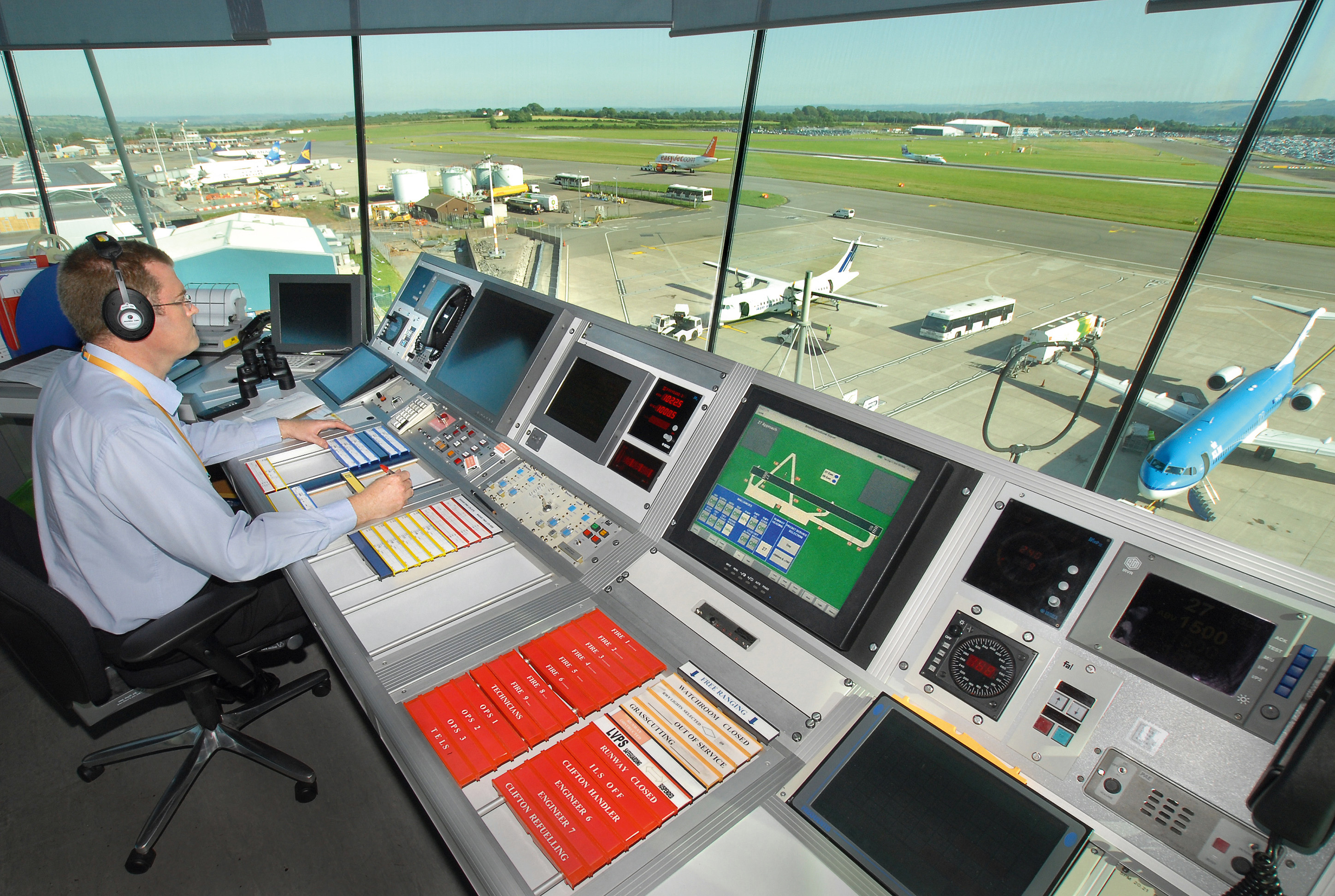 Trainee Air Traffic Controller >> NATS helps future-proof airfield voice communications at Bristol Airport - NATS