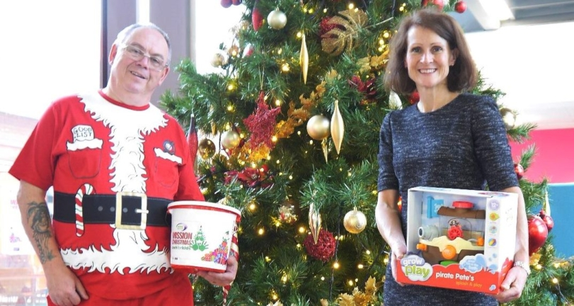 NATS donates 421 presents to children in Hampshire to support Mission Christmas